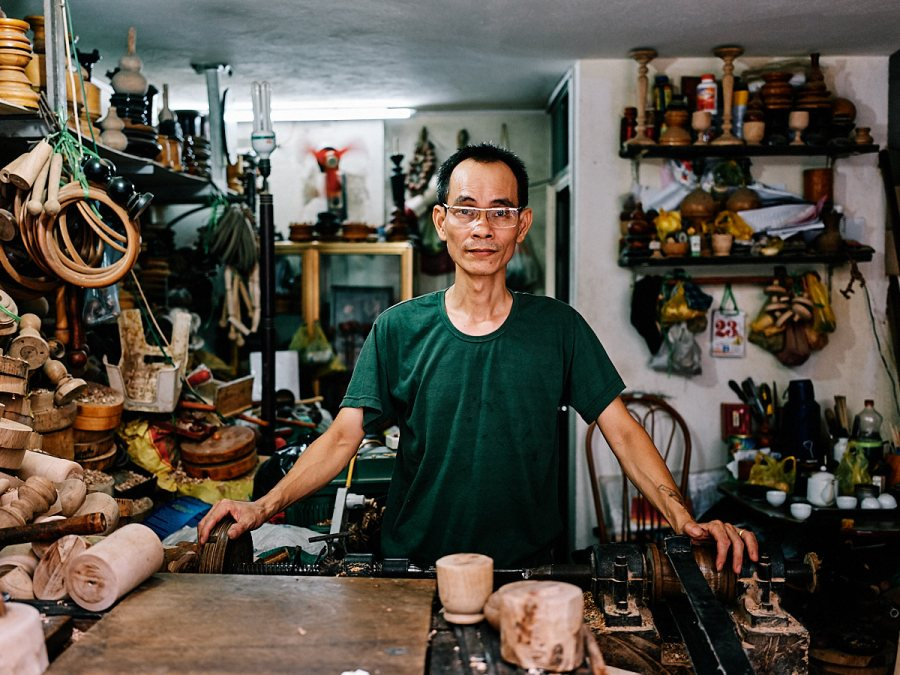 Wood turner, Ha Noi, Vietnam