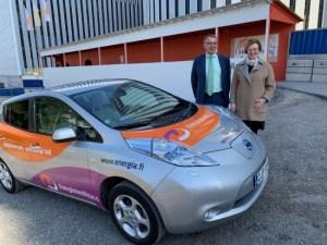 Energiateollisuus ry lahjoitti Metropolialle sähköauton