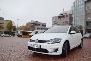 Koeajossa täyssähkö Volkswagen Golf