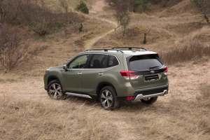 Subarun uusi Forester e-Boxer voitti kaksi merkittävää autolehdistön palkintoa