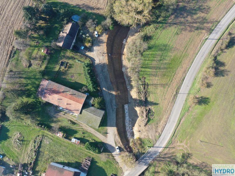 Vue de drone du chantier de protection de berges de l'Abereau
