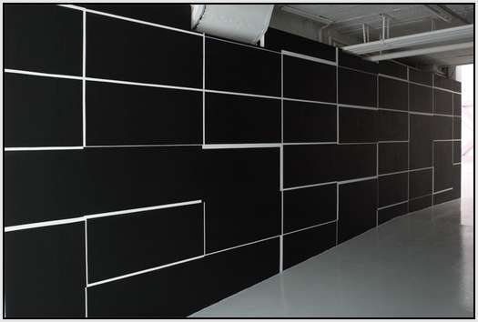 Brilliant-Facilities-and-Murals-by-Italian-Artist-Esther-Stocker-3