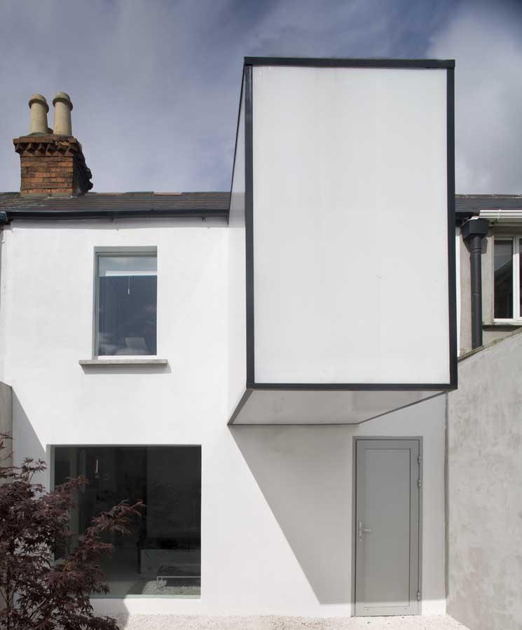 https://i2.wp.com/www.e-architect.co.uk/images/jpgs/dublin/plastic_house_a050810_8.jpg