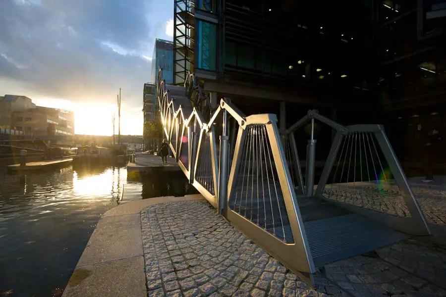 Rolling Bridge (UK)