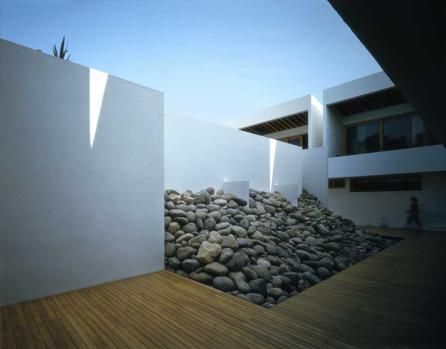 Santa Maria Housing Valle De Bravo Mexico E Architect
