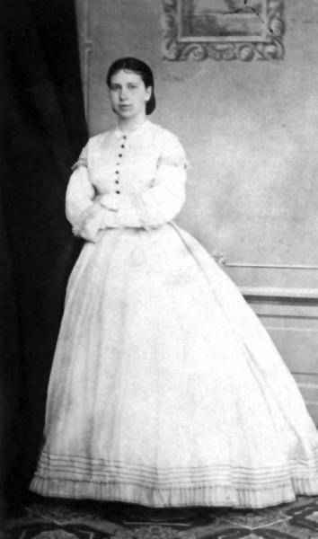 Графиня Толстая вскоре после свадьбы