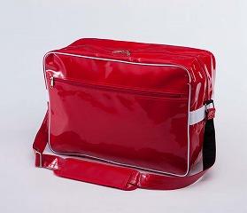 エナメルバッグのレッド
