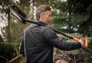 Ергономични прави лопати FISKARS
