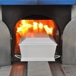 Καύση νεκρών: Πόσοι Έλληνες προτίμησαν την καύση Καύση νεκρών