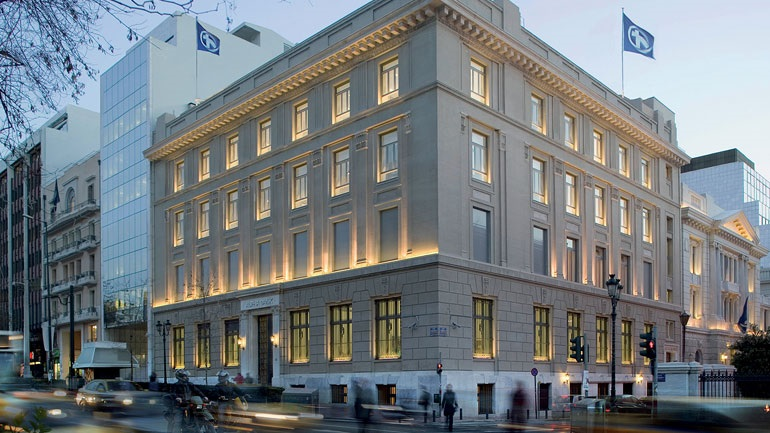 Bloomberg: Η Alpha Bank ξεκινά διαδικασίες πώλησης κόκκινων δανείων