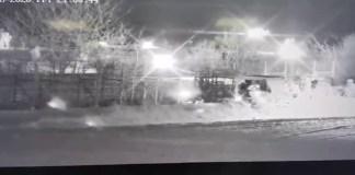 Τουρκικό στρατιωτικό όχημα με σχοινί προσπαθεί να ρίξει τον φράχτη στον Έβρο (Βίντεο)