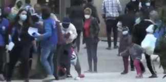 Εμπόλεμη ζώνη το Κρανίδι: Αλλοδαποί με κορωνοϊό επιτέθηκαν στους διανομείς του ΕΟΔΥ και τους πήραν τα τρόφιμα!