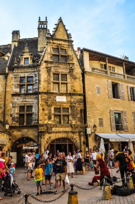 The centre of Sarlat is car-free