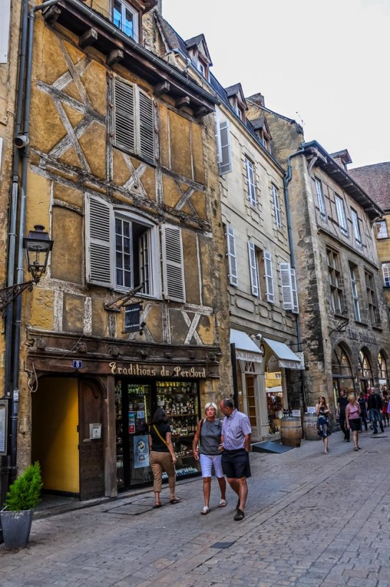 Shops are open until late in the evening and tempt with patés, truffles, wine