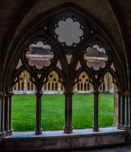 In the heart of old Bayonne lies the Cathedral with its charming cloisters