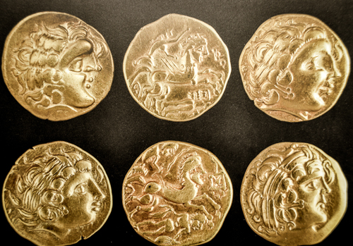 Coins on display at museum Carré Plantagenet