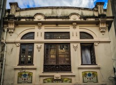 Walk along Rua de Miguel Bombarda and look for some cute Art Nouveau buildings