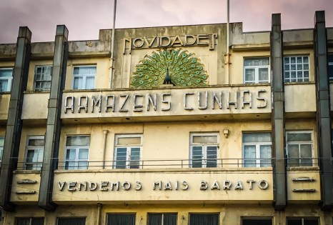 The charming Art Deco building of Armazens Cunhas