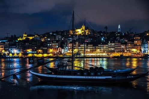 .. we love Porto in the Nighttime.. we love Porto in the Faaall...