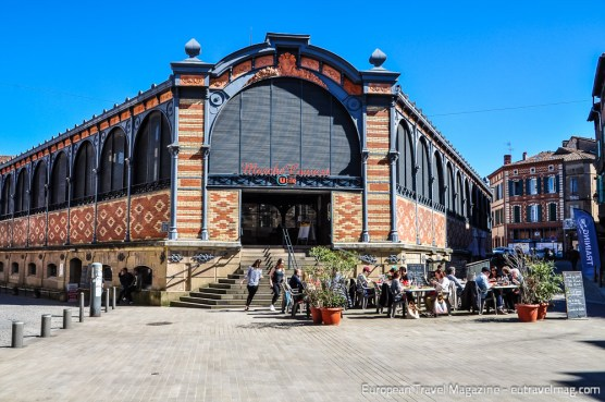 Construction of Halle du Marché Couvert started in 1902 and the market hall in brick and steel was inaugurated in 1905