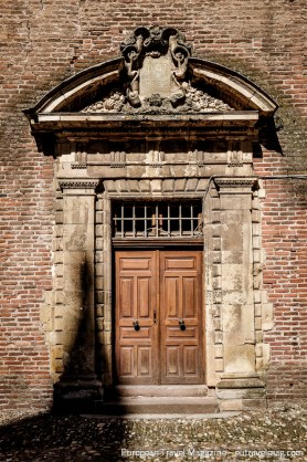 Beautiful doorway in the old palace