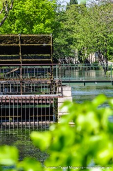 L'Isle-sur-la-Sorgue with its many water wheels