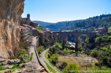 The well-fortified city of Minerve surrendered after a month of besiegement