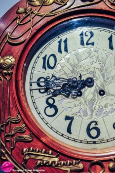 Have a closer look at the gorgeous craftmanship of the time