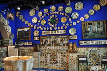 It's a radiant blue Lapis Lazuli gemstone and a definite no-miss if you're interested in Catalan Art Nouveau besides Gaudí