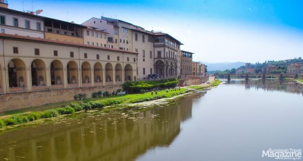 The Uffizi gallery on the side of the river Arno