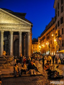 Piazza della Rotonda in front of the Pantheon is a lively spot every hour of the day - and night!