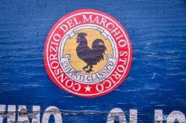 In the Chianti Classico region, the black rooster – Gallo Nero – is the symbol of the wine cultivation consortium