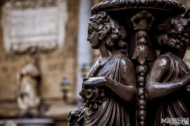 """Baroque detail of the """"Quattro Canti"""" - the Four Corners - at the crossing of Via Marqueda and Via Vittorio Emanuele."""