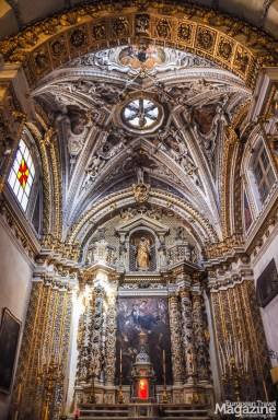 On the high altar there is a painting painted by Giovanni Andrea Coppola depicting the Mother of God with Saint Nicholas and Saint Joseph