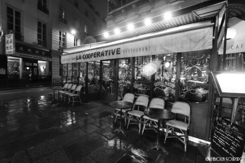One of the many cafés at Rue de Rivoli are a welcome retreat after a long day at Louvre