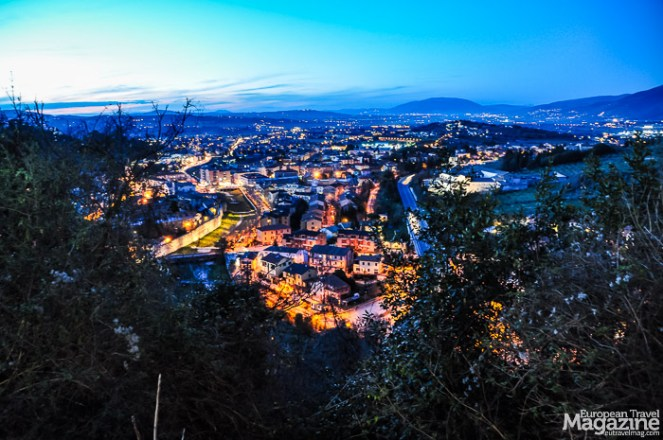 From the castle, take a stroll around it on the fabled and charming promenade Giro della Rocca that'll afford you amazing views to the valley