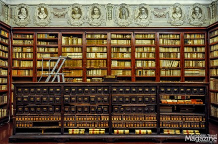 Today, the library holds many hundred thousand volumes and is still open to the public, Monday to Friday