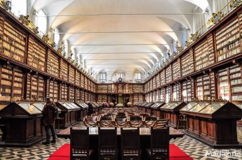 The Library was linked to the most important european centres of book commerce