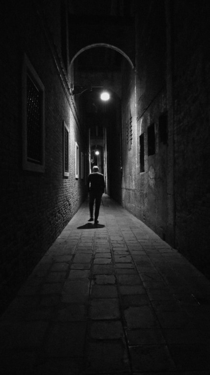 Always a good thing to walk alone inside Venice alleys...good to clear the mind