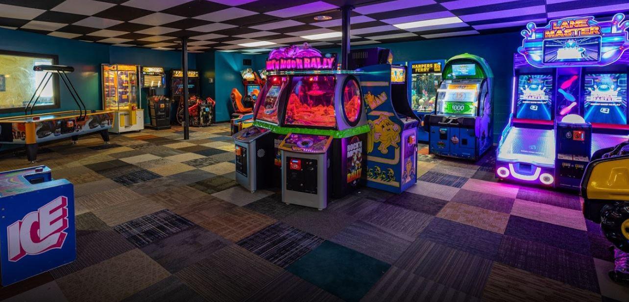 KOA arcade, coin operated games