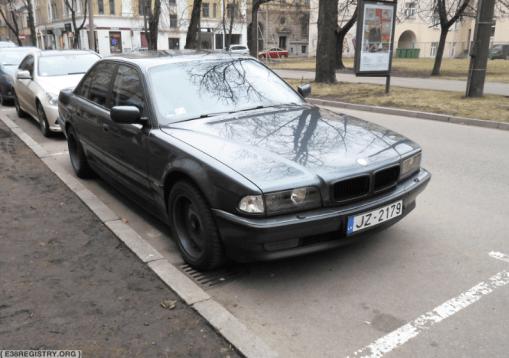 (For Sale) – 740i – DK67649