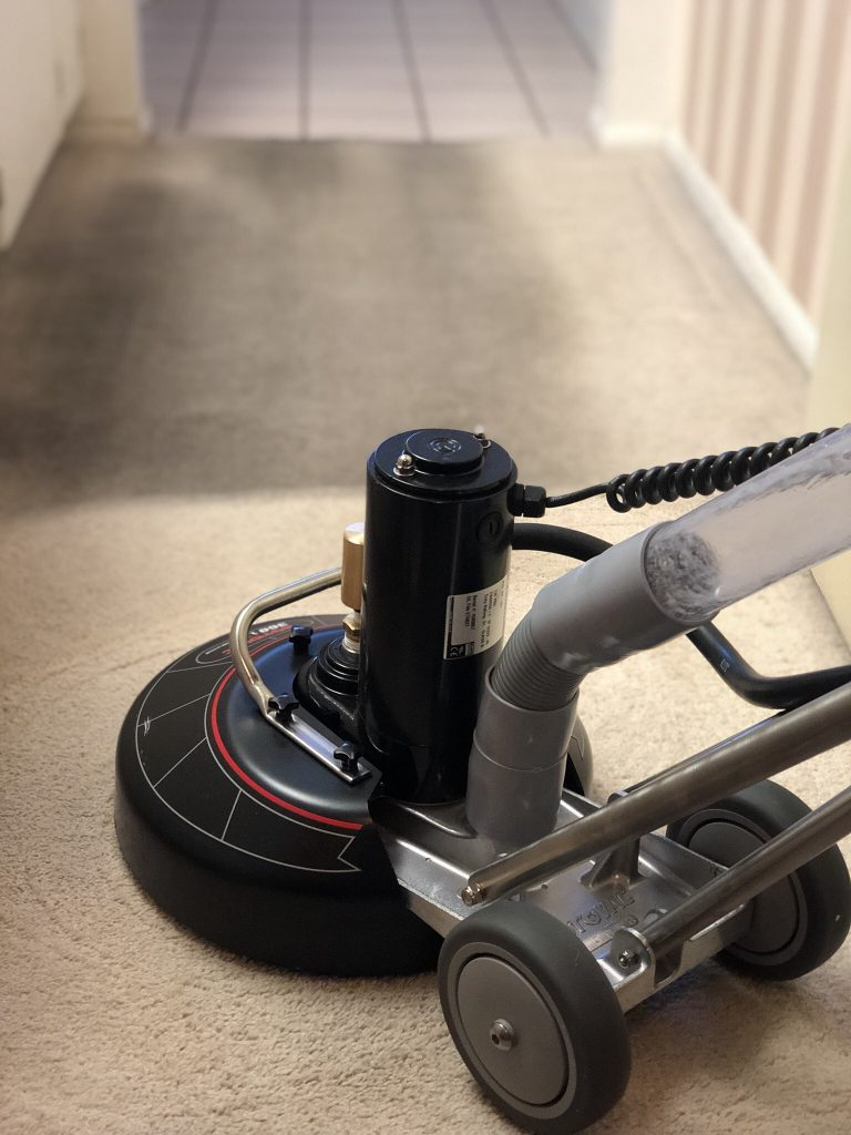 EA Restoration Uses High Quality Carpet Cleaning Equipment