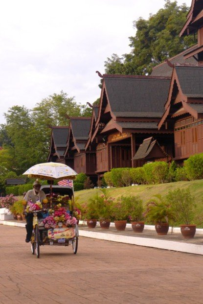 Melaka Sultanate Museum; Melaka local life; Melaka attractions; D.I.Y. Melaka walking tour; Dutch Square; Melaka River; Chicken and Rice Balls; St. Paul Hill; Red Buildings
