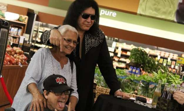 Gene Simmons of KISS promotes new soda line at Fayetteville Tops