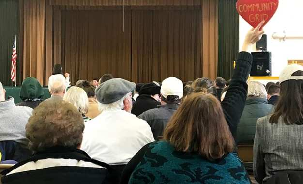Katko draws boos, applause at I-81 forum