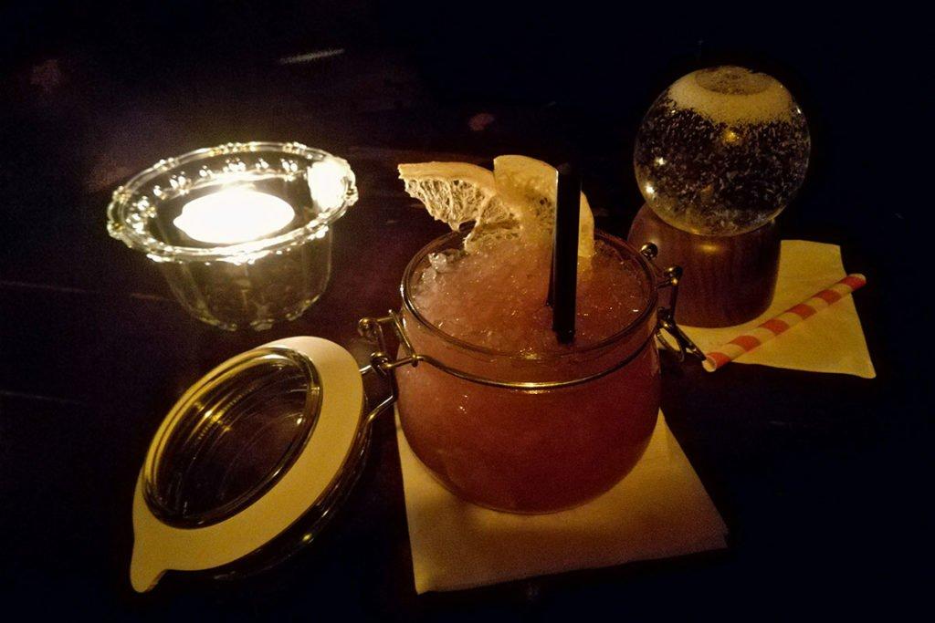 Hemingway-bar-bar-Praga-Praga-Prague-Repubblica-Ceca-Europa-dove mangiare a praga