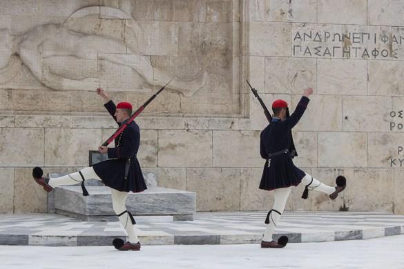piazza syintagma-Grecia-Greece-Athens-Atene-Europa-cambio guardia