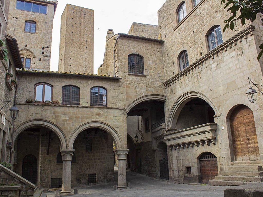 Piazza San Pellegrino-quartiere San Pellegrino-quartiere medievale Viterbo-Viterbo- Tuscia Laziale-Lazio