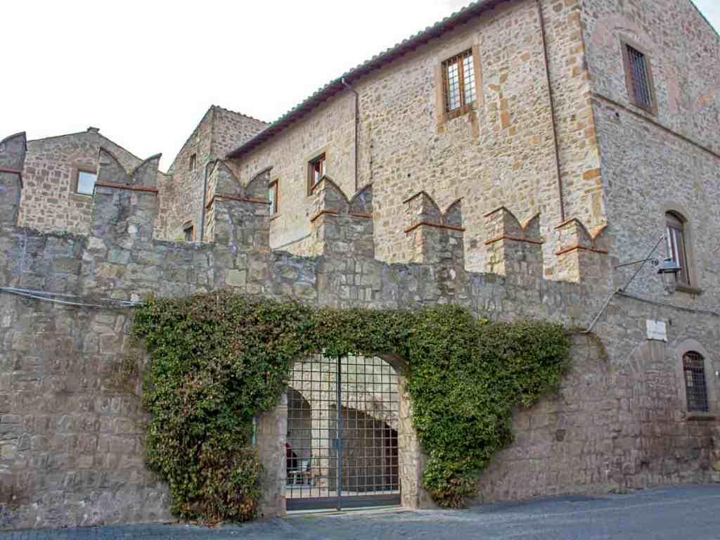 dettaglio quartiere San Pellegrino-piazza Viterbo-quartiere san pellegrino-quartiere medievale-Viterbo medievale-Viterbo- Tuscia Laziale-Lazio