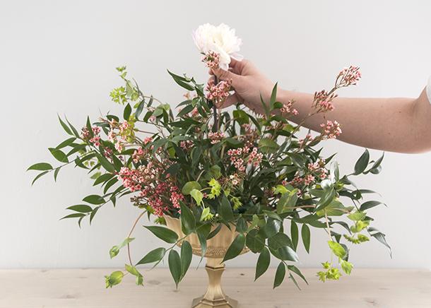floral design focal flower placement